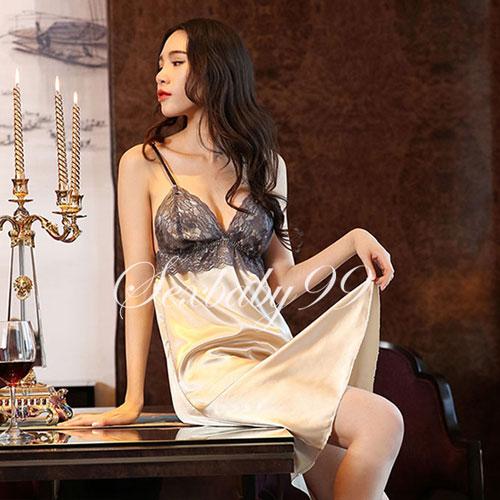 曼妙誘惑-性感低胸深V蕾絲吊帶睡裙